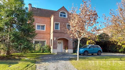 Casa En Venta Con Renta En Los Castores, Nordelta