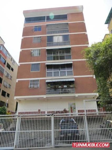 Apartamentos En Venta Urb. Sta Monica. 19-10990