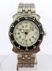 Relógio: Victorinox Swiss Army Brand (suíço)