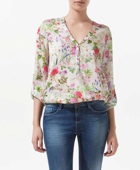 Blusa Floral Com Decote Em V