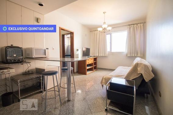Apartamento No 4º Andar Mobiliado Com 1 Dormitório E 1 Garagem - Id: 892840894 - 140894