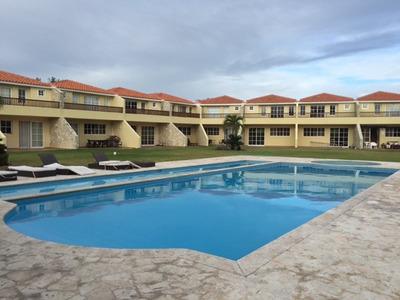 Townhouse Lujoso Juan Dolio 245.5m2 Metro C C $us325,000