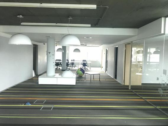 Excelente Oficina Con Vista Al Río, Piso Completo- Luis María Campos 46