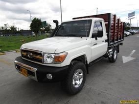 Toyota Land Cruiser Land Cruiser 79 Estacas