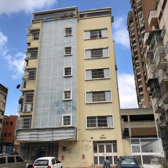 Apartamento Bello Monte 91 Mts 2h 3 B Un Puesto Carro