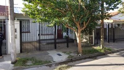 En Venta En Ciudad Jardin Chalet De 7x20 Con Cochera Y Patio Zona Afalp; Venta Inmediata! Apto Credito Bancario! F: 7822