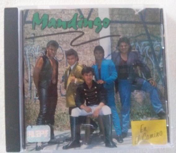 Cd Ycassette De Colección Del Grupo Mandingo En El Camino