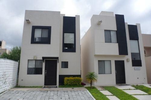 Preciosa Casa En Ciudad Marques, 2 Recámaras, 1.5 Baños, Privada, Ganela!