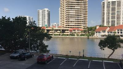Miami - Sunny Isles - Departamento De 2 Ambientes Y 2 Baños