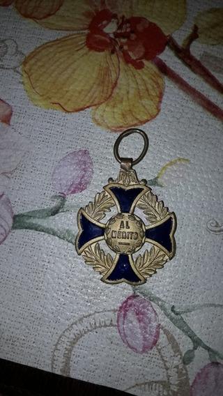 Medalla Al Mérito Azul Y Oro 3 Cm. De Diam.