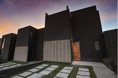 Casa En Venta En El Refugio, Queretaro, Rah-mx-19-957