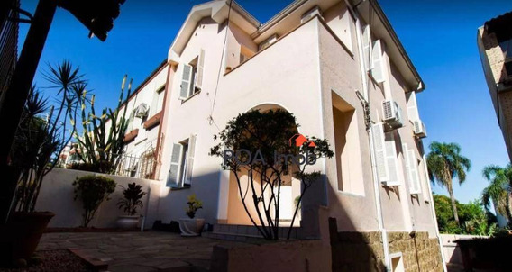 Ampla Casa Com 03 Dormitórios Mobiliada No Bairro Menino Deus - Ca0571