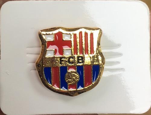Imagen 1 de 3 de Barcelona Pin Metalico Dorado Futbol Club Barcelona Barça