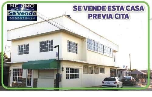 Casa De Esquina 2 Niveles 6 Recamaras Con Baño C/u Y Local Comercial Con Baño