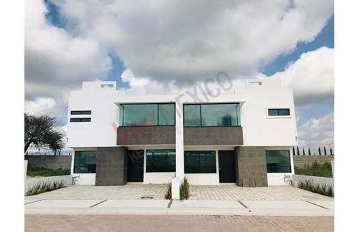 Se Vende Casa En Cañadas Del Arroyo, Corregidora, Qro.