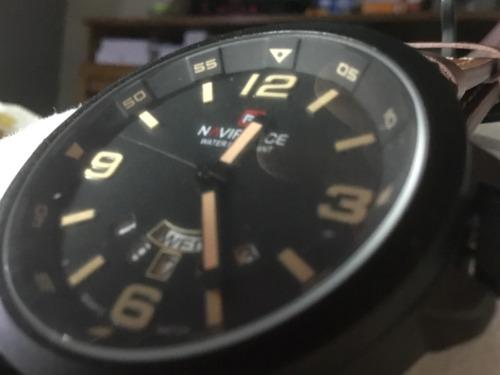 Relógio Naviforce, Preto, Calendário Tríplice, Grande.