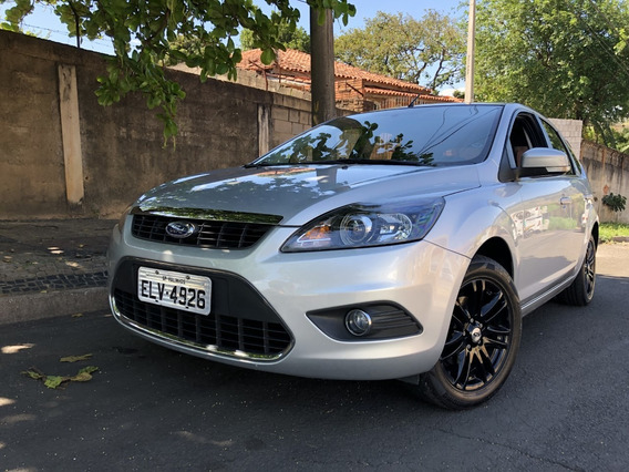 Ford Focus Ghia 2.0 Manual