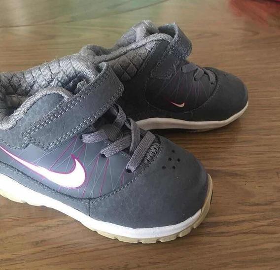 Um Tênis Nike Cinza 19 20 Menina Infantil Desapego