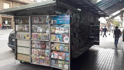 Parada De Diarios Y Revistas Vende L & L Group