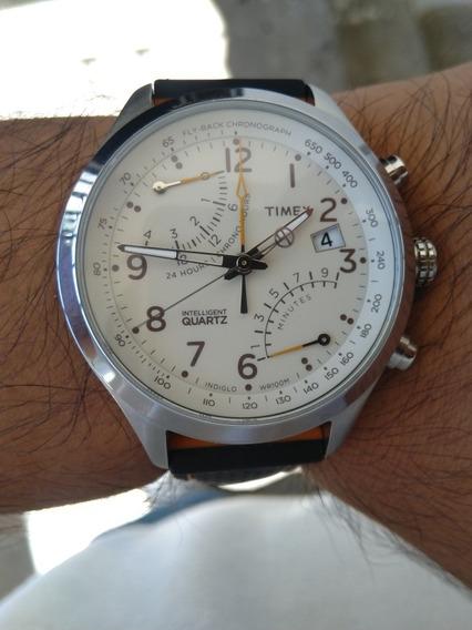 Reloj Timex Flyback Color Beige