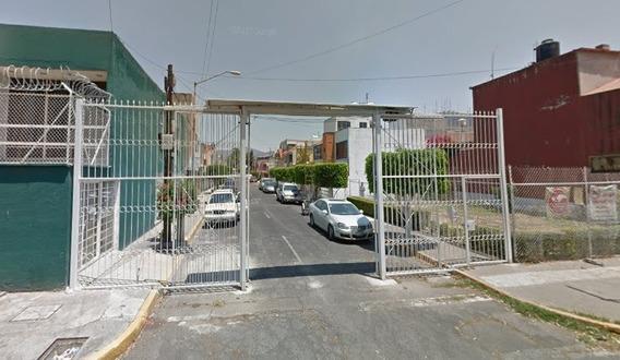 Casa, Acueducto De Guadalupe. $2,885,000 Remate Bancario