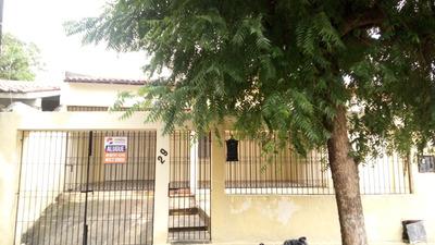Casa Com 3 Quartos (suíte), Área De Serviço, Garagem