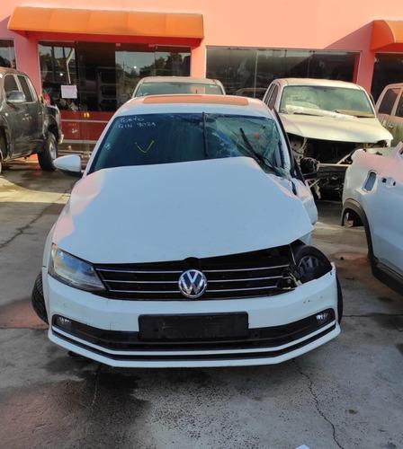 Imagem 1 de 5 de Sucata Volkswagen Jetta Cl Af 2017 Para Retirada De Peças