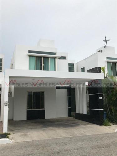 Casas En Venta En Playa Del Carmen, Solidaridad, Quintana Roo
