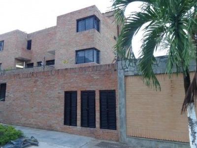 Townhouses En Venta En El Bosque Remax Mpad