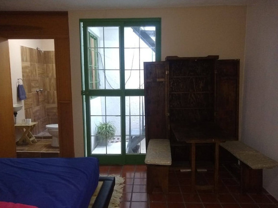 Estudio En Renta Arco Del Triunfo, San Pedrito Los Arcos