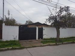 Casa 4 Dorm 1 Baño / A Pasos Del Plaza Oeste Gran Terreno