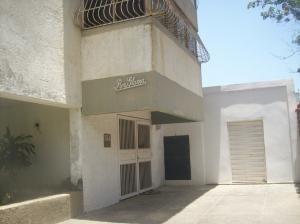 Apartamento En Venta Caraballeda ( Vargas)