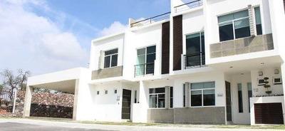 Hermosa, Colinas Del Santuario, Roof Garden, 3 Recámaras, Casa Club, Luxury !!