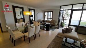Apartamento Amoblado Alquiler En Costa Del Este 21-10679emb