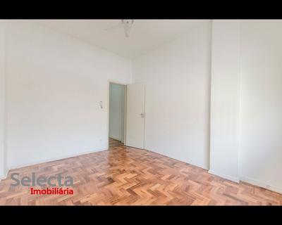 Apartamento Impecável, Renovado, Situado Na Parte Tranquilíssima Da Rua Gomes Carneiro, Distante 100 Metros Da Av. Vieira Souto, Praia De Ipanema !!! - Ap00545 - 32284002