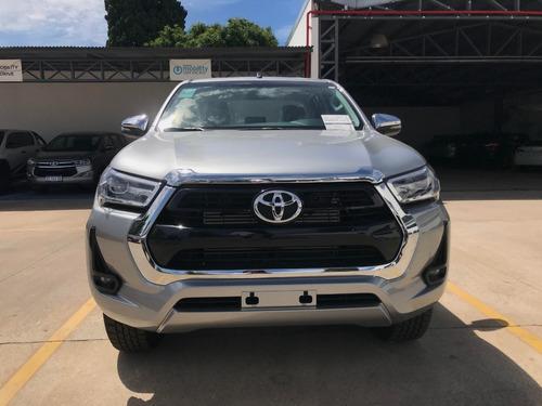Toyota Hilux 2.8 Cd Srv 177cv 4x2 Mt