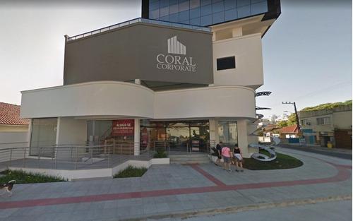 Imagem 1 de 10 de Ampla Sala Comercial No Bairro Coqueiros - Sa0156