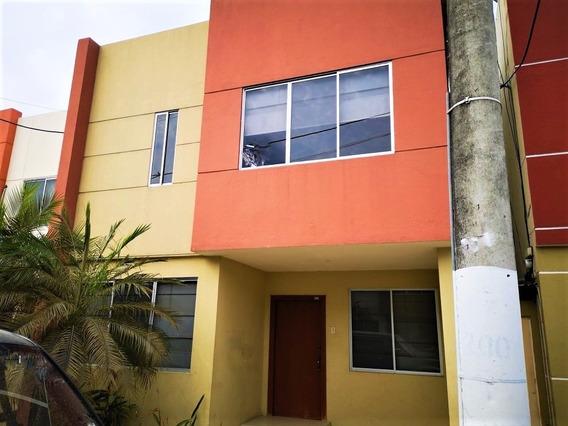 Vendo Villa Urb Cataluña Samborondon Km12, Guayaquil