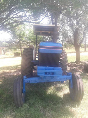Tractor Ford 5630