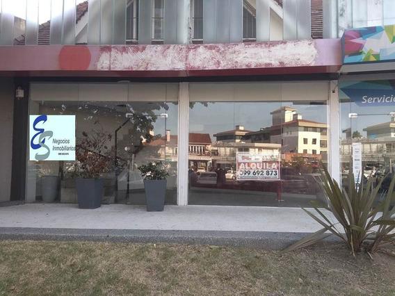 Local En Carrasco Arocena Y Schoeder, Hab. Gastronómico