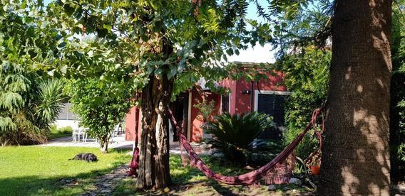 Casa En Alquiler- Villa Santos Tesei - Pegado A Castelar- Moron