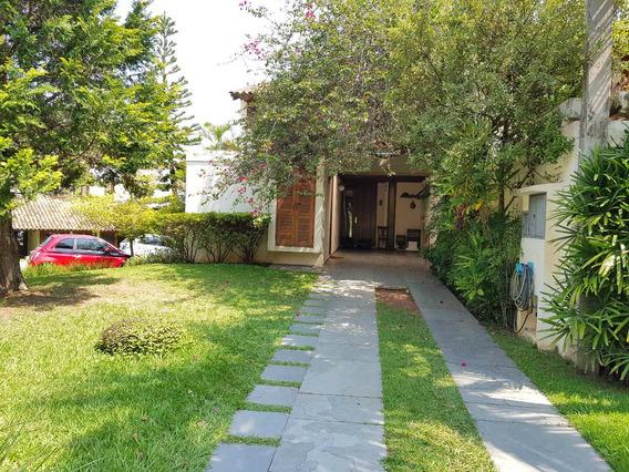 Linda Casa Em Condomínio Fechado De Alphaville