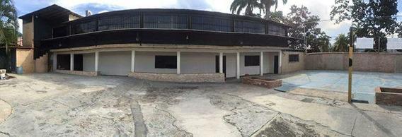 Casa Comercial Mañongo Cod.031 Evelyn Carmona