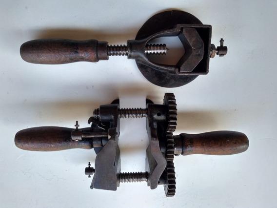 Ferramenta Antiga Para Construir Eixo De Roda De Carroça