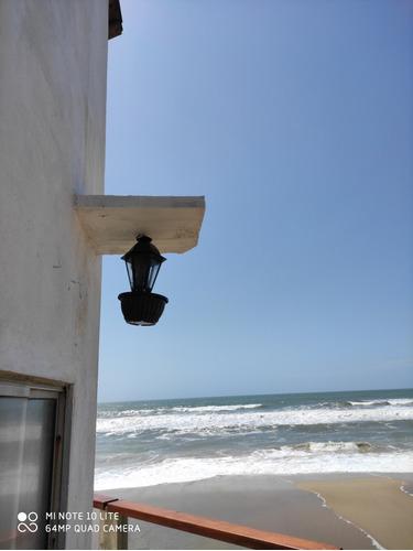 Casa  El Faro  Aguas Dulces Primera Línea