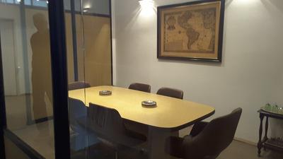 Oficina, Cerca De Galería Pacifico A Unas Cuadras De Florida