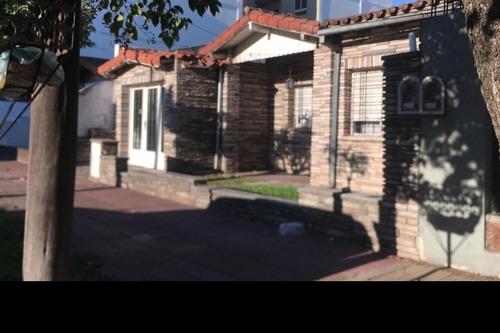 Imagen 1 de 5 de Chalet En Venta En Villa Luzuriaga