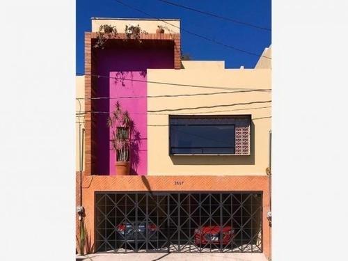 Casa En Venta A Pie De Calle X Plaza San Diego, Forjadores