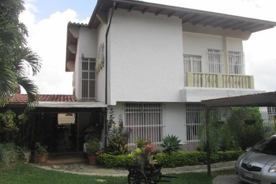 Comoda Casa Ubicada En Zona Montañosa En El Hatillo