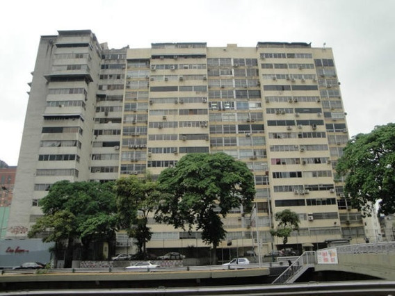 Amplio Apartamento K. Fernandez 04241204308 Mls #20-12420